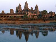 """В Камбодже задержали 10 иностранцев за """"порнографические пляски"""" и фотографии в соцсетях"""