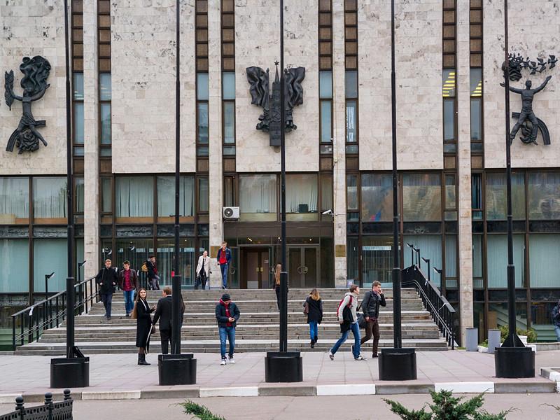 СМИ: МИД Польши в ущерб эффективности уволит сотрудников, получивших образование в МГИМО