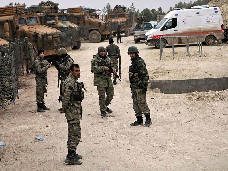 """На третий день операции """"Оливковая ветвь"""", которую генштаб ВС Турции начал 20 января в сирийском Африне против курдских формирований из отрядов """"Сил народной самообороны"""" (СНС) и связанной с ними партии """"Демократический союз"""" (ДС), погиб первый турецкий военнослужащий"""