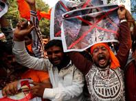 В Индии в преддверии выхода на экраны фильма про королеву прошли погромы (ВИДЕО)