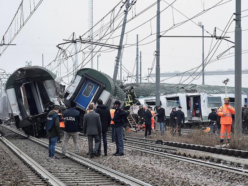 В Италии поезд сошел с рельсов: есть погибшие