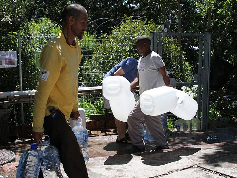 Кейптаун может уже к апрелю остаться без воды из-за сильнейшей засухи