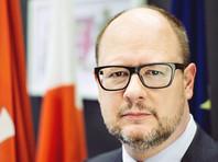 Мэр польского Гданьска пригласил на встречу российскую семью, машину которой закидали камнями