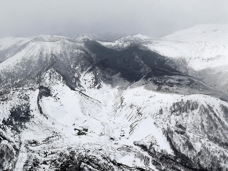 На Японию одновременно обрушились извержение вулкана и снегопад, более 360 человек пострадали