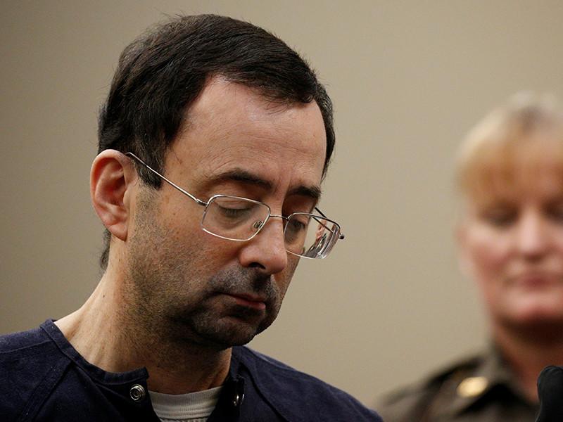 Суд американского штата Мичиган назначил бывшему врачу сборной США по гимнастике Ларри Нассару наказание в виде лишения свободы на срок 175 лет