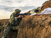 О том, что США оплатят поставки ПТРК Javelin, заявил в среду президент Украины Петр Порошенко. По данным американских СМИ, речь идет о поставках на общую сумму около 47 млн долларов