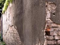 В Германии историк нашел в лесу неизвестный властям 80-метровый фрагмент Берлинский стены