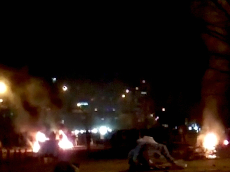 СМИ сообщили о возобновлении акций протеста в Иране (ВИДЕО)