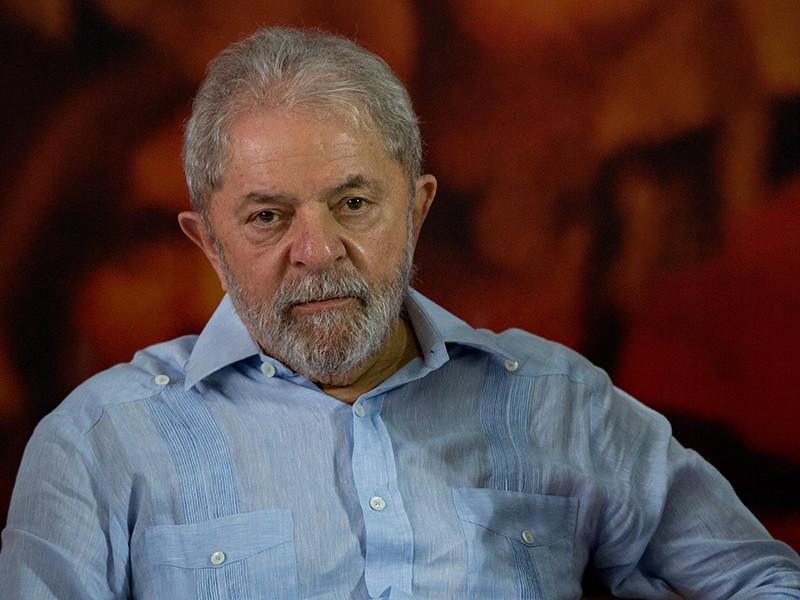 Бывшему президенту Бразилии запретили покидать страну