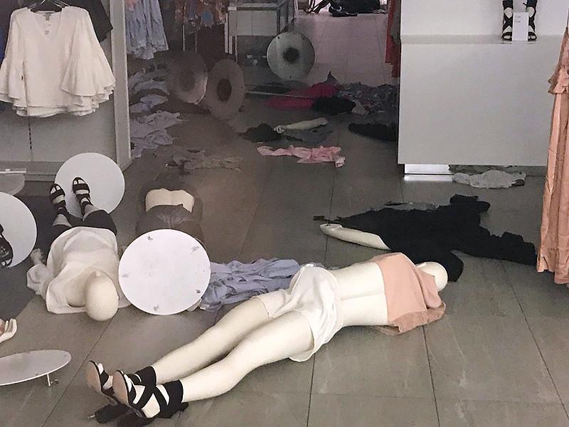 """Семья мальчика из """"расистской"""" рекламы H&M съехала из дома в Стокгольме"""