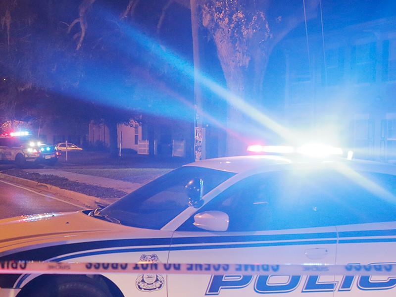 Воскресный вечер во Флориде обернулся стрельбой в парке с детьми и взрывами в семейном торговом центре