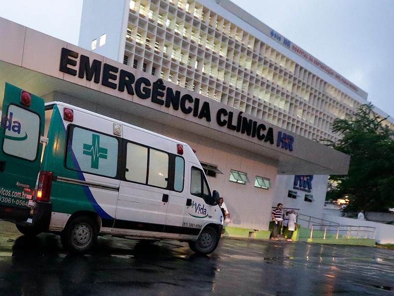 Команда хирургов из Госпиталя восстановления (Hospital da Restauração) в Ресифи в ходе 1,5-часовой операции смогла безопасно извлечь длинный штырь, который насквозь пронзил 10-летнего мальчика во время пикника