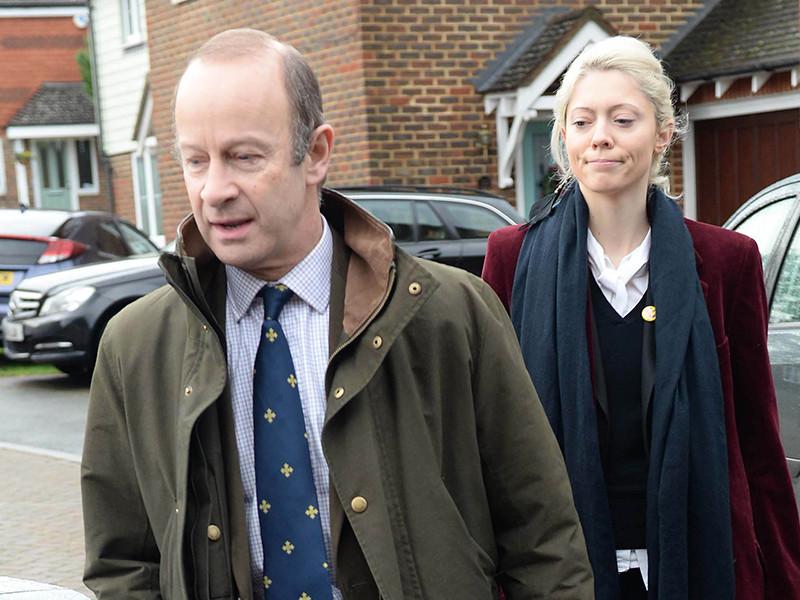 Скандал в рядах борцов за Brexit: партия UKIP приостановила членство подруги своего лидера из-за расистских комментариев о Меган Маркл