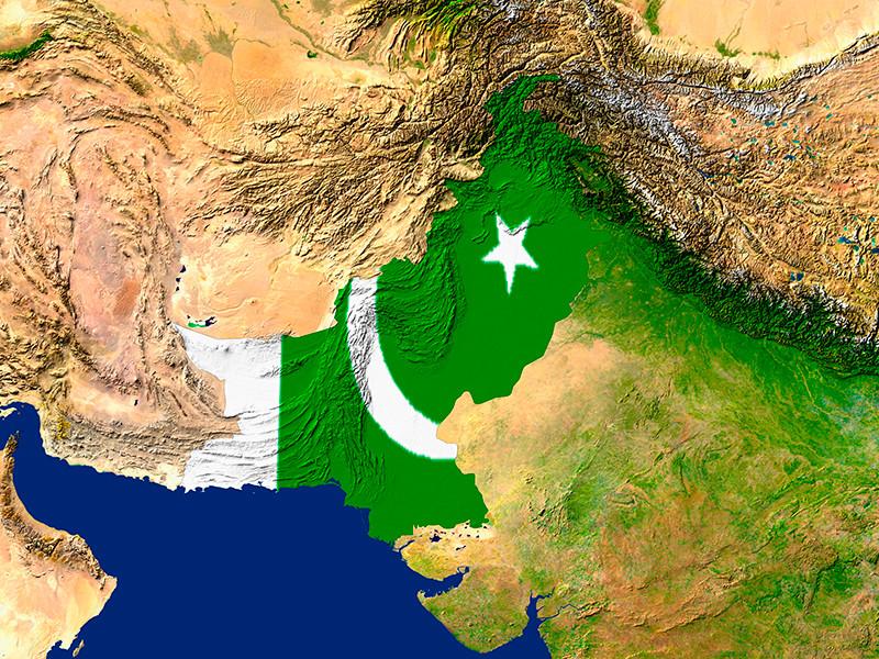 """Трамп: Пакистан укрывает террористов """"в обмен"""" на финансовую помощь США"""