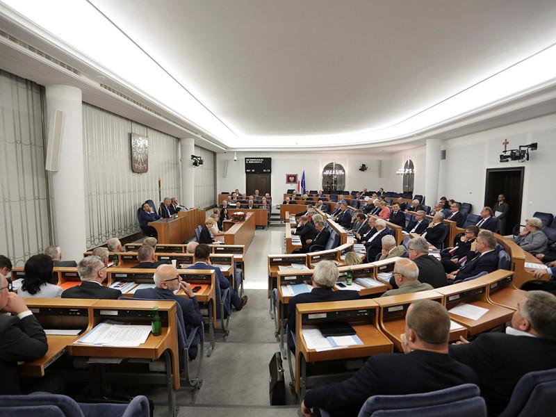 В четверг, 1 февраля, верхняя палата парламента Польши приняла нашумевший закон, который предполагает введение уголовной ответственности за публичное распространение идей о вине польского населения и государства или их соучастии в преступлениях, совершенных Третьим рейхом