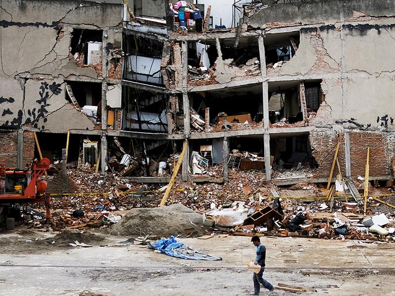 Власти Мехико оценили в пять лет сроки восстановления города после землетрясений