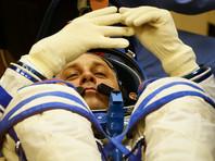 Российские космонавты из-за трудностей при ремонте МКС пробыли в открытом космосе лишние полтора часа и стали рекордсменами
