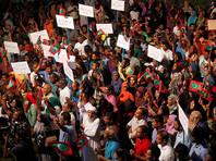 Это решение дает широкие полномочия силовикам задерживать подозреваемых и принято на фоне политического кризиса в стране Индийского океана, углубившегося из-за того, что Ямен отказывается выполнять распоряжение Верховного суда об освобождении политических заключенных