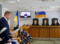 Суд в Киеве досрочно прекратил допрос Порошенко после вопроса об отпуске президента на Мальдивах