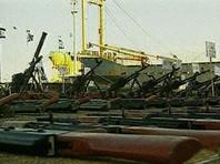 СМИ сообщили, что контролеры обнаружили на борту 24 незарегистрированных контейнера. Военные, обследовавшие груз, посчитали, что это оборудование для создания военного лагеря