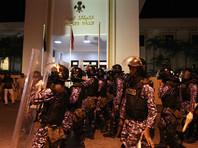 На Мальдивах силовики окружили парламент и арестовали двух оппозиционных депутатов