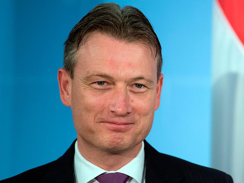 Глава МИД Нидерландов ушел в отставку после признания во лжи о встрече с Путиным в 2006 году