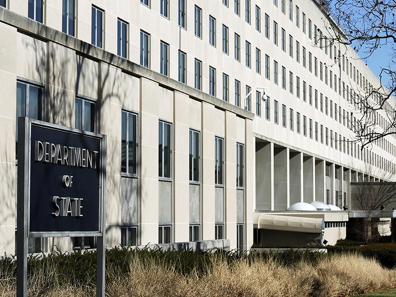 """Госдепартамент США в очередной раз заявил, что Россия """"прикрывает"""" режим президента Башара Асада от ответственности за применение химического оружия против мирного населения. Об этом говорится в заявлении, опубликованном на сайте ведомства"""