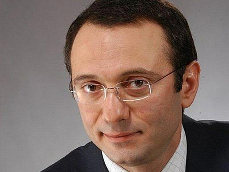 """Российский сенатор и миллиардер из списка Forbes Сулейман Керимов, обвиняемый во Франции в отмывании денег и уклонении от уплаты налогов, получил второе разрешение посетить Россию """"по личным причинам"""""""