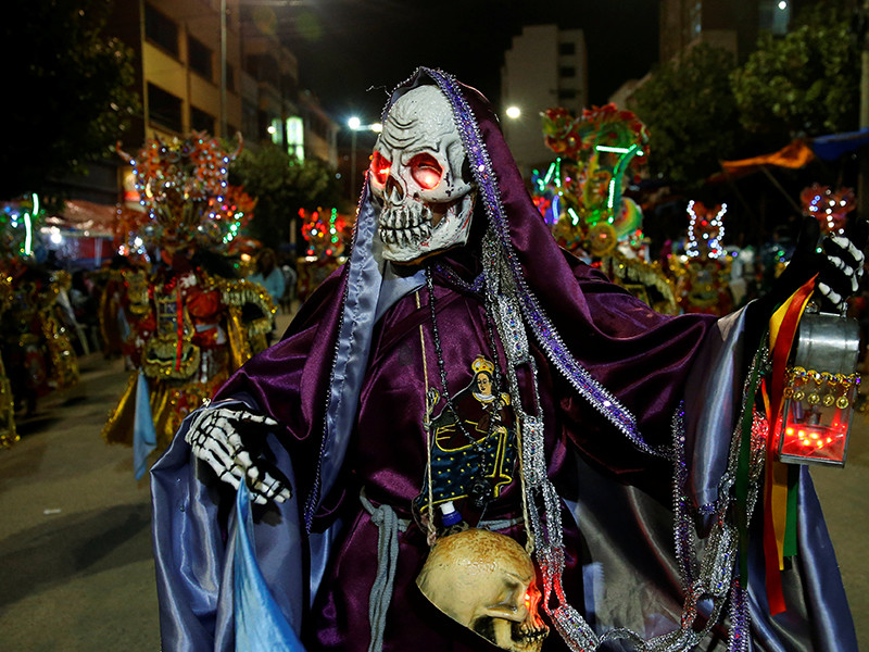 Власти Боливии сообщили о большом числе жертв в результате ряда происшествий, произошедших в стране в первый день проведения карнавала в городе Оруро. По их данным, всего погиб по меньшей мере 21 человек