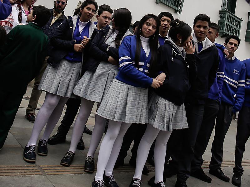 В четверг, 8 февраля, студентки дали старт кампании в кампусе: они попросили надеть обнажающую ноги короткую одежду и девушек, и парней