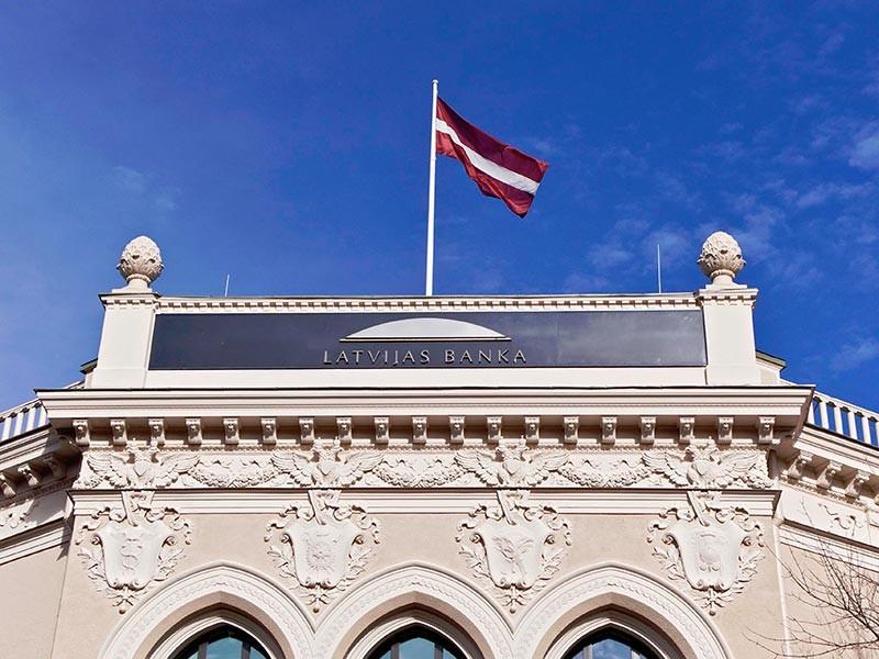 В Риге заявили об информационной атаке на Латвию из-за сообщений о причастности главы Центробанка к отмыванию денег из РФ