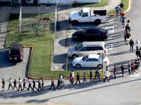 """Школьников во Флориде тренировали на случай стрельбы, но это не помогло: """"Их учат лишь кидать стулья"""""""