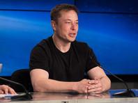 """Глава компании Илон Маск подчеркнул, что пуск прошел практически безупречно, """"настолько хорошо, насколько можно было надеяться"""", за одним исключением: """"Центральный блок, очевидно, не приземлился на платформу"""""""