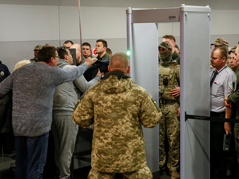 Саакашвили выдворили из Украины в Польшу
