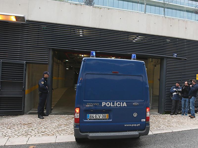 Уголовный суд Лиссабона приговорил к семи годам и четырем месяцам лишения свободы сотрудника португальской разведывательной службы Фредерико Карвалью Жиля, работавшего, по данным следствия, на российскую разведку