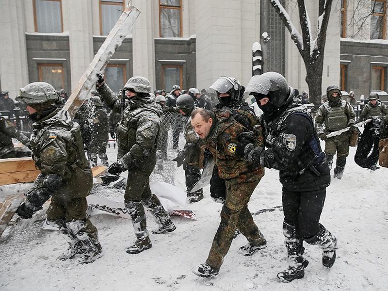 Большинство задержанных в ходе ликвидации палаточного городка возле здания Верховной Рады в Киеве отпустили