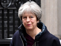 В офисе британского премьера Терезы Мэй заявили, что она не склонна спешить обвинять Кремль в отравлении Скрипаля до окончания следствия
