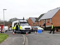 66-летний Сергей Скрипаль и его 33-летняя дочь были обнаружены 4 марта в бессознательном состоянии на скамейке рядом с торговым центром в британском городе Солсбери. По данным полиции, их отравили неизвестным веществом