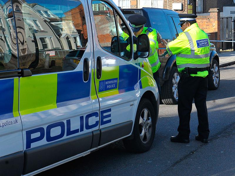 В Великобритании со следами удушения на шее обнаружено тело бывшего партнера Березовского