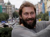 Чичваркин  рассказал, как выявить российских шпионов в Лондоне: стоят часами и лузгают семечки