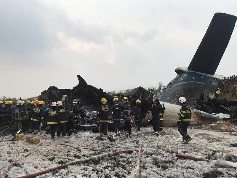 Самолет авиакомпании US-Bangla Airlines потерпел крушение в непальском международном аэропорту Трибхуван
