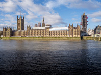 """Британский парламент изучит офшоры с """"миллиардами Путина"""" в связи с серией подозрительных смертей"""