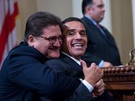 Калифорнийскому сенатору по прозвищу Медвежонок запретили обнимать коллег