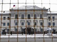 """Российские дипломаты, объявленные на Украине персонами нон грата из-за """"дела Скрипаля"""", покинули территорию страны"""