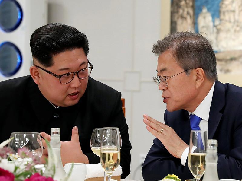 """Официальный Пхеньян подтвердил, что мирный договор между  двумя  Кореями должен  быть заключен до конца года"""" />"""