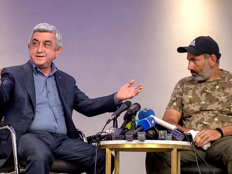 """Переговоры премьера Армении с лидером оппозиции продлились несколько минут: """"То, что вы предлагайте, - шантаж"""""""