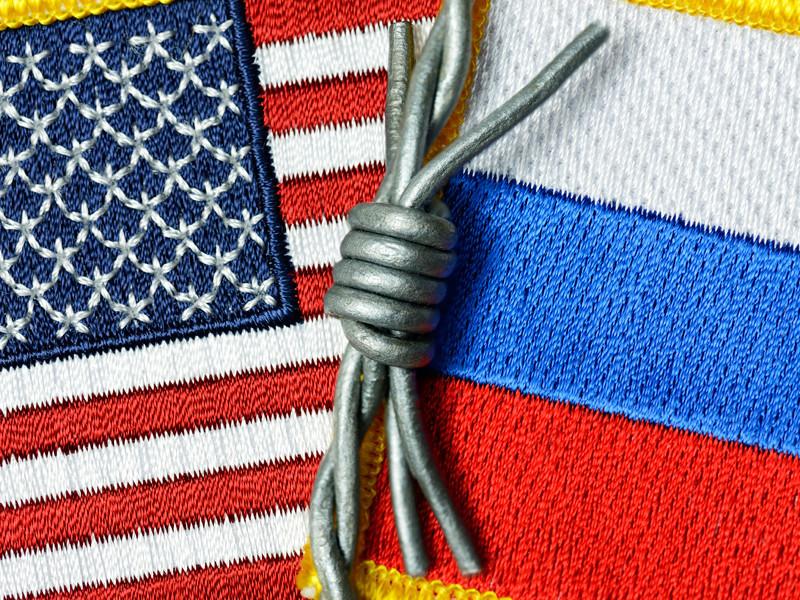 Администрация президента США Дональда Трампа в ближайшее время объявит о введении санкций против нескольких российских олигархов, связанных с Владимиром Путиным, в рамках дела о вмешательстве российских властей в американские выборы 2016 года.