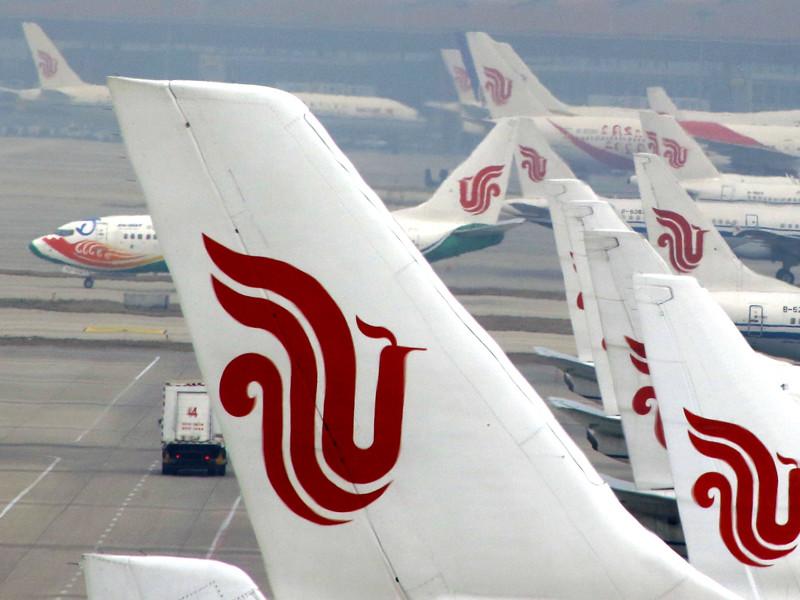 В самолете Air China пассажир взял в заложники стюарда