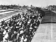 В ФРГ 94-летнему бывшему охраннику концлагеря Аушвиц-Биркенау предъявлено обвинение в причастности к убийству более 13 тысяч человек