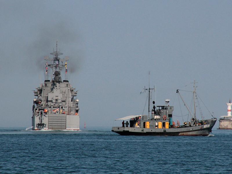 Российские военные корабли покинули сирийский порт Тартус, следует из спутниковых снимков, опубликованных компанией Image Satellite Internacional